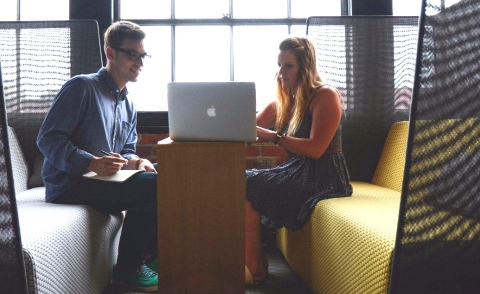 entrepreneur-startup-teamwork-mentor-