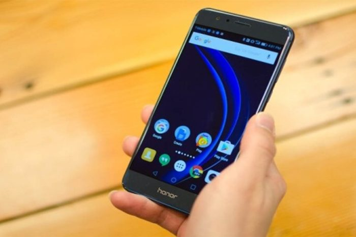 Huawei launches dual glass smartphone Honor 8 Lite in Pakistan