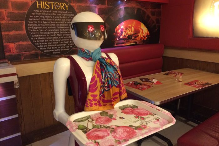 Pakistan's First Robot Waiter to Serve Pizza at Restaurant in Multan