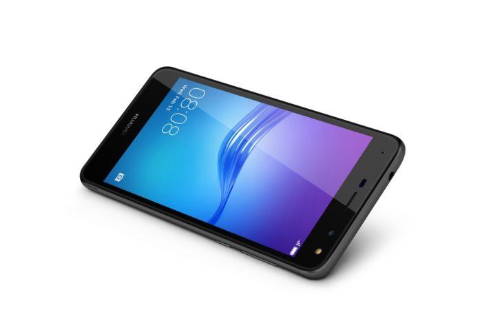Huawei unveils next generation smartphone Huawei Y5 in Pakistan
