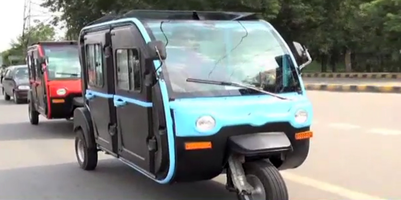 Air-conditioned electric rickshaw