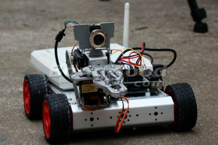 Ministry of IT is developing Intelligent Mobile Robots in Pakistan